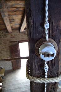 ceramica #impianto elettrico #commutatore #interruttore #deviatore #invertitore #antichi #riproduzione #vintage #c'era una volta #fontini #le prolunghe #gambarelli