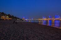 Blaue Stunde: Strandperle