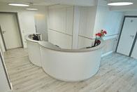 Arztpraxis Gestaltung modern Innenarchitektur