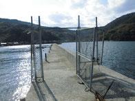 深浦漁港 波止フェンス
