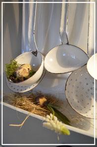 Fliegenschränke, alte und neue Küchenutensilien im Shabby Chic, aus Emaille, Holz und Zink finden Sie im Laden von Sternschnuppe home & garden, Goldwiese 7, 57612 Eichelhardt und auf unserer Frühlingsausstellung, Adventszauber, Offenen Gartenpforte.