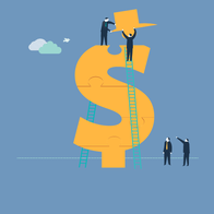 Ein Dollarzeichen als Sinnbild für das Finanzwesen wird von zwei Männern wie ein Puzzle zusammengesetzt.