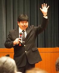 パワー歩行を提唱する大渕先生