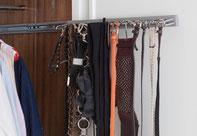 Coloca los cinturones en un porta corbatas - AorganiZarte