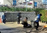 「公園草刈り」ボランティア (「市民草刈り隊」/木戸が池緑地)
