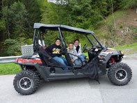 Mit dem 4 Personen Quad auf die Alp