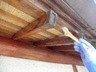 木部のアク洗い施工例①:施工中
