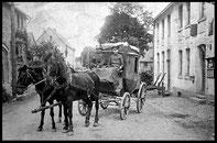 Postkutsche um 1920 vor der Post