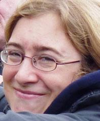 Ulrike. War lange unsere Pianistin und ist von Hause aus Musiklehrerin. Kann unglaublich schnell Töne transponieren. Lebt heute mit Mann und 2 Kindern im Bergischen.