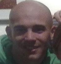 Markus, auch Lehrer. Scheut keine Mühe und Risiko, unterrichtet derzeit in Medellin, Kolumbien, die Kids der dortigen Drogenbosse. Respekt!