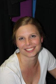 Katja. Ebenfalls Lehrerin, energiegeladen, kreativ, hat heute zwei Kinder. Typisch Niederrhein ...