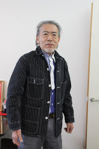 松尾さんご自身デザインのファッションがお似合い