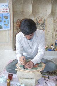 Artisan de Shiraz au travail
