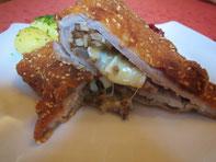 Festtagsschnitzerl vom Schwein mit Speck-Pilz-Camembert Füllung