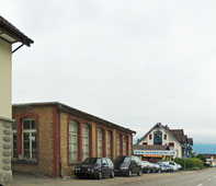 Zentrum Gutenbrunnen Buttikon Rätselantwort altes Backsteingebäude