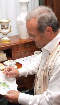 Glas- und Porzellanmalermeister Heinz Schneider