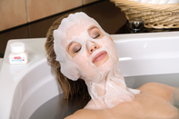 Basische Vliesmasken zur Herstellung basischer Gesichtsmasken