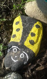 bemalter Käfer-Stein