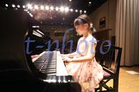 ピアノ鍵盤の角度がわかる写真