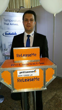 Markus Franke of DoKaSch promoting his firm's latest product  -  picture: hs