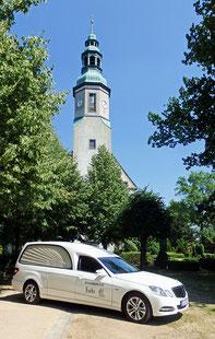 Kirche in Niederoderwitz, Oberlausitz, Sachsen, Zittau, Beerdigung, Bestattung, Begräbnis, Friedhof, Tod