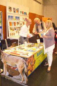 Der NABU-Stand bei den Literaturtagen 2012  -  Foto: C. Preuß