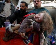 Τουλάχιστον 70 άνθρωποι έχασαν σήμερα τη ζωή τους. Οι 42, μεταξύ αυτών και πολλά παιδιά, βρίσκονταν σε σχολείο του ΟΗΕ