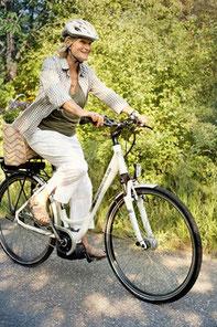 weniger Rückenschmerzen durch e-Bike fahren