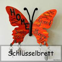 DIY Schmetterling Schlüsselbrett aus Sperrholz mit Handlettering verziert