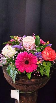 Centro de flores redondo pequeño. Ref C01