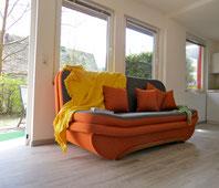 Ferienhaus am See mit Sofa