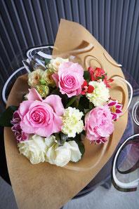 ギフト・花・お祝い・記念日 ピンクバラとを使った花束
