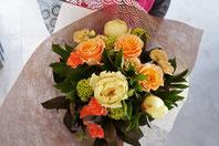 フラワーギフト・花・お祝い・誕生日 バラとシャクヤクを使った季節の花束