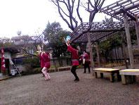 初めて見る雀踊り