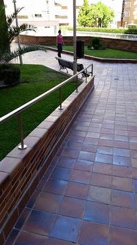 Barandilla rampa de diseño en acero inoxidable