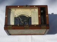 Hartmann & Braun Isolations Messgerät mit Induktor und Fallbügel