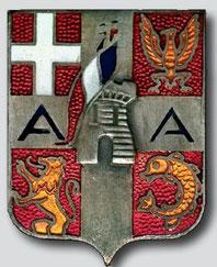 Insigne de l'Armée des Alpes, aux armes de Valence (PC Armée), 4 quartiers : en h. g. Savoie, Nice, en b. g. Lyonnais et Dauphiné