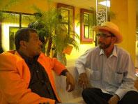 Carlos Valencia (izq.) y Raymundo Zambrano, referentes del arte escénico manabita.