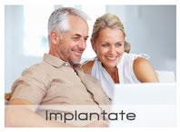 Feste Zähne mit Zahnersatz auf Implantaten (© Yuri Arcurs - Fotolia.com)