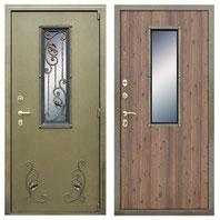 входная дверь с окном и ковкой
