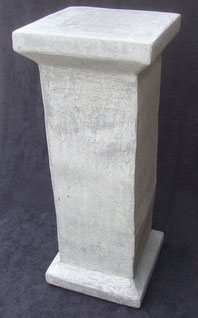 Sockel-Standuhr-Skulptuhr-Uhr-Kunstwerk-Skulptur von künstlerstein.de Mathias Rüffert