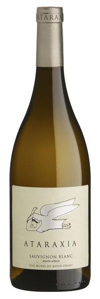 Dieser Wein begünstigt Individualität und Mineralität vor intensiver Frucht, zeigt diese jedoch deutlich mit verführenden Aromen tropischer Früchte und Zitronengras.