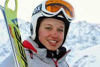 Barbara im Skioutfit
