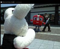 角館駅で会った電車サンとクマの森吉くん