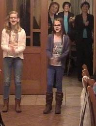"""Julia und Jenny singen """"Applaus, Applaus"""""""