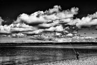 Pecheur dans la baie de Morlaix