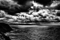 Lumiere percante sur l'océan