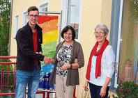 Andreas und Hildegard Mauerer übergaben die Spende.