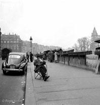 Bouquinistes en bord de Seine
