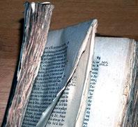 Pages maladroitement coupées